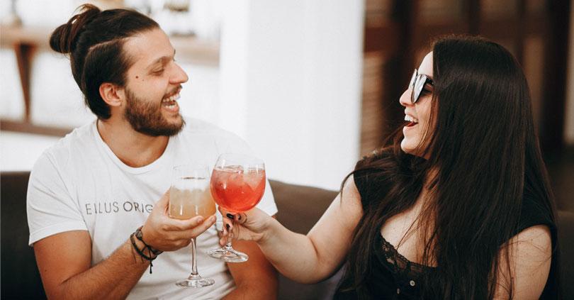 Es ist in Ihrem besten Interesse, ehrlich in Ihrem Dating-Profil zu sein